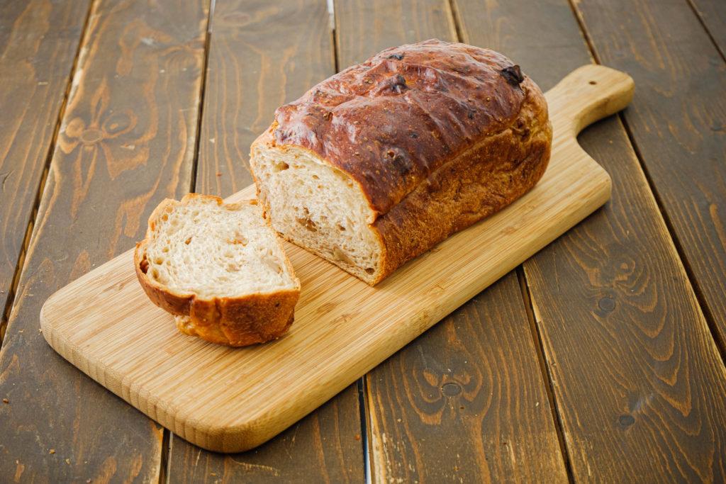 いちじくくるみレーズン生食パン<br>[小麦・乳]
